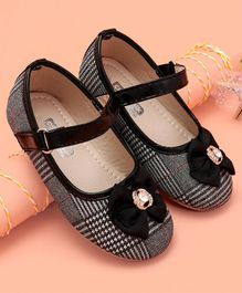 Cute Walk by Babyhug Party Wear Bellies Diamond Studded Bow Motif - Black