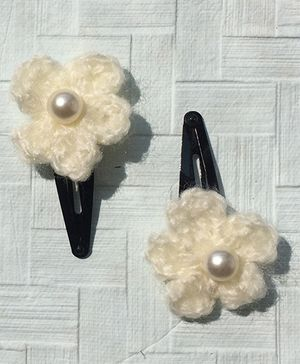 Buttercup From KnittingNani Tic Tacs With Pearls - Off White