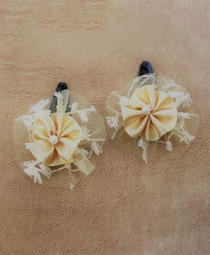 Many Frocks & Overlaping Floral Clips - Beige