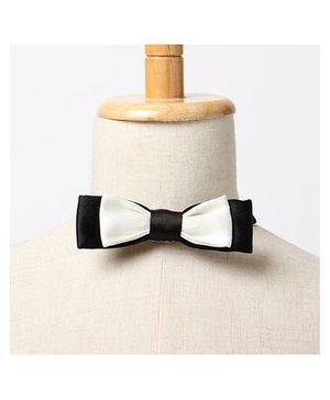 Brown Bows Batwing Bow Tie - Black and White