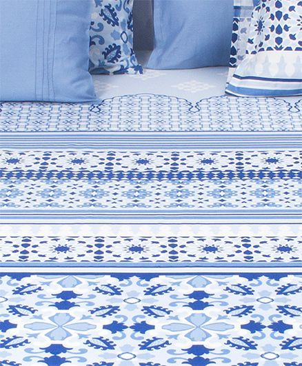 HouseThis Jharokha Mahal 1 Double Fitted Bedsheet & 2 Pillow Covers - Indigo