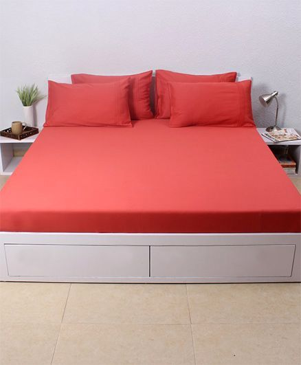 HouseThis Aurora 1 Double Fitted Bedsheet & 2 Pillow Covers - Red