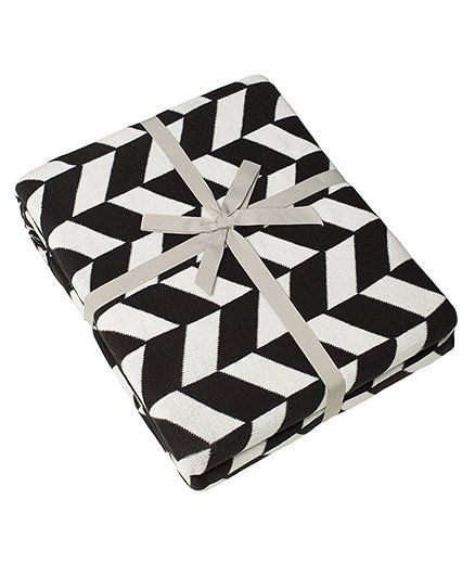 Pluchi Am & A Knitted Twin Size Bed Cotton Blanket - Black & White