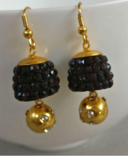 Tiny Closet Long Drop Earrings - Black