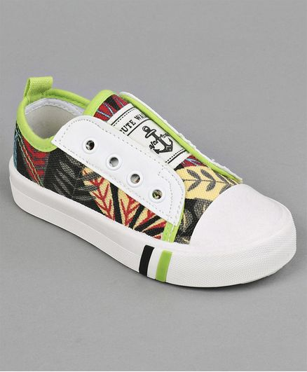 Cute Walk by Babyhug Canvas Shoes Jungle Print - Multicolour