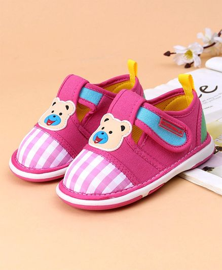 Cute Walk by Babyhug Checks Canvas Casual Shoes Teddy Patch - Pink