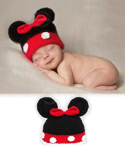 Bembika Knitted Crochet Cap - Black Red