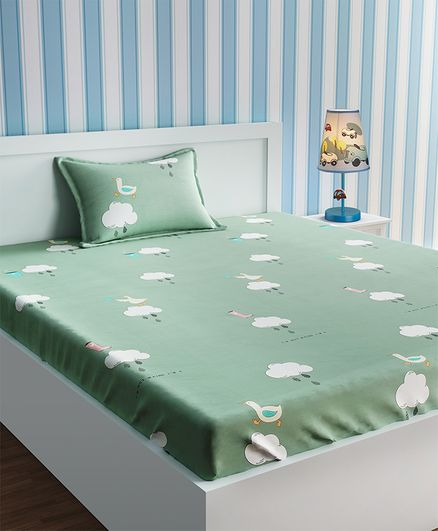 Urban Dream Bed Sheet With Pillow Cover Set Clouds Print - White