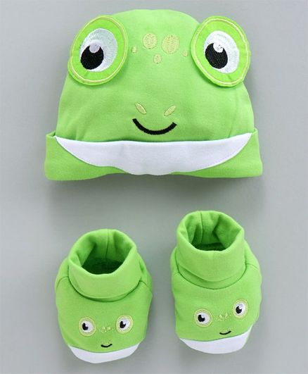 Fisher Price Cap and Booties Gift Set Frog Print - Green