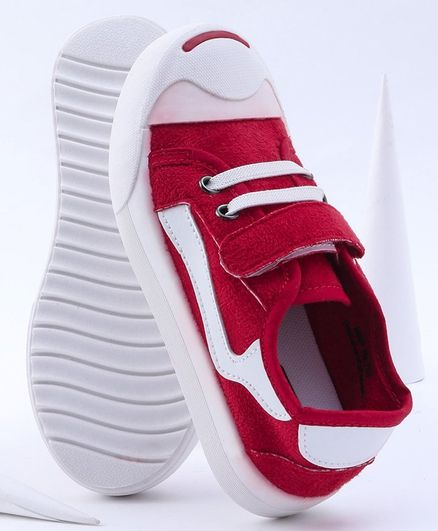 Cute Walk by Babyhug Solid Color Casual Shoes - Red