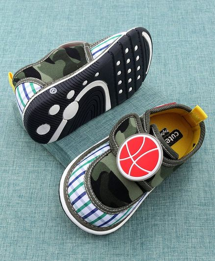 Cute Walk by Babyhug Canvas Shoes Ball Patch - Green