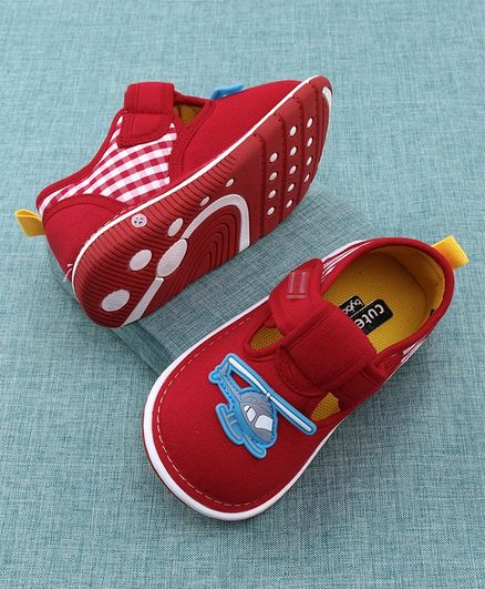 Cute Walk by Babyhug Canvas Shoes Helicopter Patch - Red