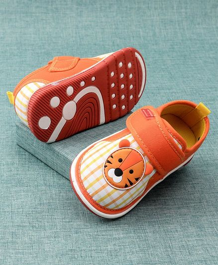 Cute Walk by Babyhug Casual Shoes Velcro Closure Lion Patch - Orange