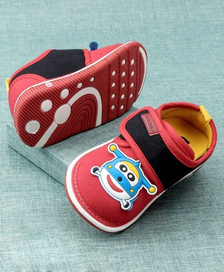 Cute Walk by Babyhug Casual Shoes Animal Patch - Red