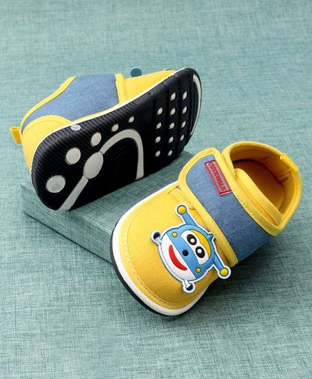 Cute Walk by Babyhug Casual Shoes Animal Patch - Yellow