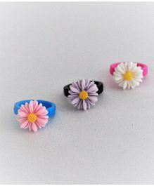 Bobbles & Scallops Set Of 3 Plastic Adjustable Resin Flower Ring - Light Pink Purple & White