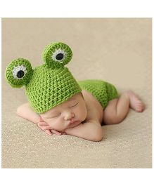 Babymoon Frog New Born Designer Baby Cap Photography Shoot Prop - Green