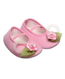 Daizy Flower With Leaf Embellished Booties - Pink