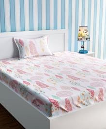 Urban Dream Bed Sheet With Pillow Cover Set Tree Print - Pink & White