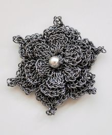Bobbles & Scallops Crochet Flower Design Brooch - Silver