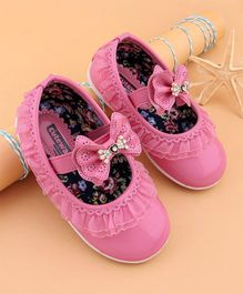 Cute Walk by Babyhug Bellies With Lace & Bow Embellishment - Pink