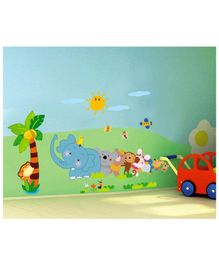 Syga Animals in Que Wall Sticker - Multicolor