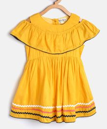 Bella Moda Solid Short Sleeves Dress - Yellow