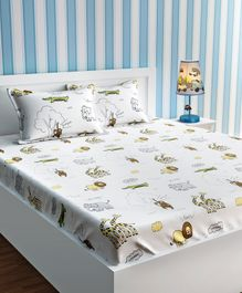 Urban Dream Cotton Bedsheet And Pillow Cover Animal In Jungle Print - White