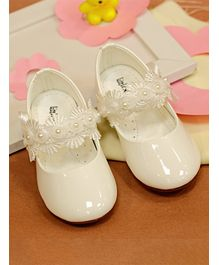 Little Soles Flower Strap Velcro Closure Sandals - White