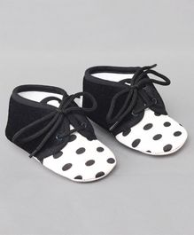 Daizy Polka Dots Print Shoes - White & Black