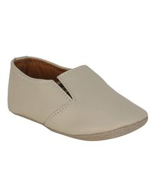 Beanz Solid Round Toe Shoes - Cream