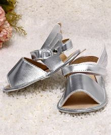 Kidlingss Velcro Closure Shimmer Finish Angel Wings Booties - Silver