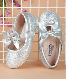 Cute Walk by Babyhug Bow Motif Sequined Bellies - Silver