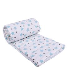 Mom's Home Organic Cotton Baby Quilt Blanket Cum Bedspread Star Print - White Blue