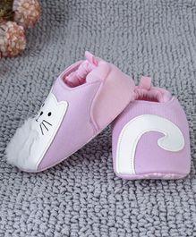 dafe2844c6d Kidlingss Cat Patch Back Elastic Booties - Pink