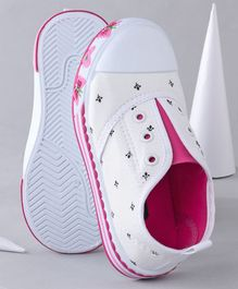 Cute Walk by Babyhug Casual Shoes Butterfly Patch - White