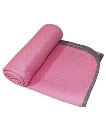 Kadambaby Quilted Cotton Blanket - Pink