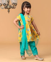 Pspeaches Parrot Printed Half Sleeves Kurta With Salwar & Dupatta Set - Yellow & Sea Green