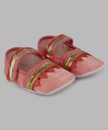 Daizy Lace Decorated Round Toe Ethnic Booties  - Pink
