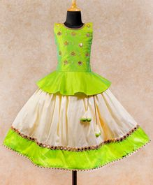 Li&Li BOUTIQUE Pearl Embellished Sleeveless Peplum Choli With Lace Detailed Umbrella Cut Lehenga - Green & Off White