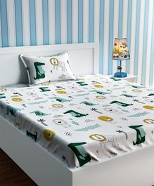 Urban Dream Single Bed Sheet Alligator And Lion l Print - White And Green