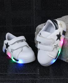 Kidlingss Star Patch Detailed Led Shoes - Black & White