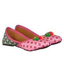 Buckled Up Double Shade Flower Print Mojari - Pink & Green