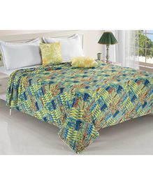 Status Double Poly Mink Blanket Abstract Print - Multicolor