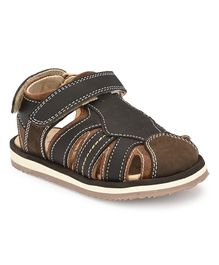 Tuskey Hollow Round Toe Sandals - Brown