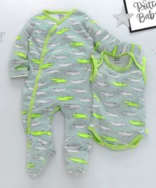 ROYAL BRATS Crocodile Printed Full Sleeves Onesie & Romper Set - Green & White