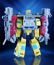 Transformers Cyberverse Power of The Spark Toy Figure - Height 12.5 cm