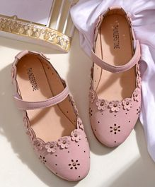 Hoppipola Hollow Out Flower Decorated Mary Janes - Pink