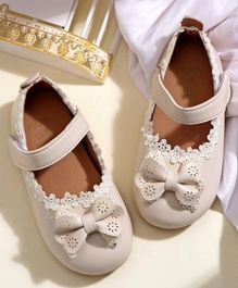 Hoppipola Bow Decorated Mary Janes - White