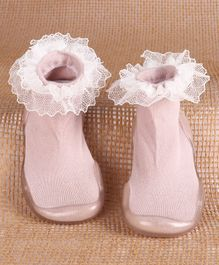 Hoppipola Solid Frill Anti-Slip Sock Shoes - Pink